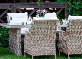 Ești în căutarea unui set de mobilier rezistent pentru grădina sau terasa ta? Alege mobilierul din ratan!