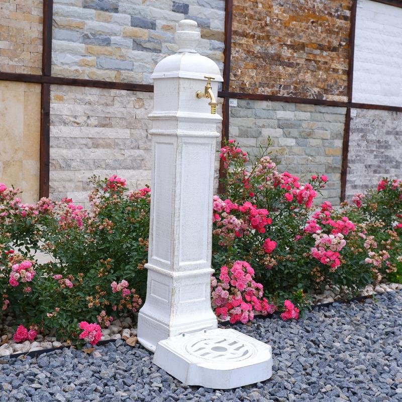 Cișmea grădină și curte Cora Cube, alb-auriu